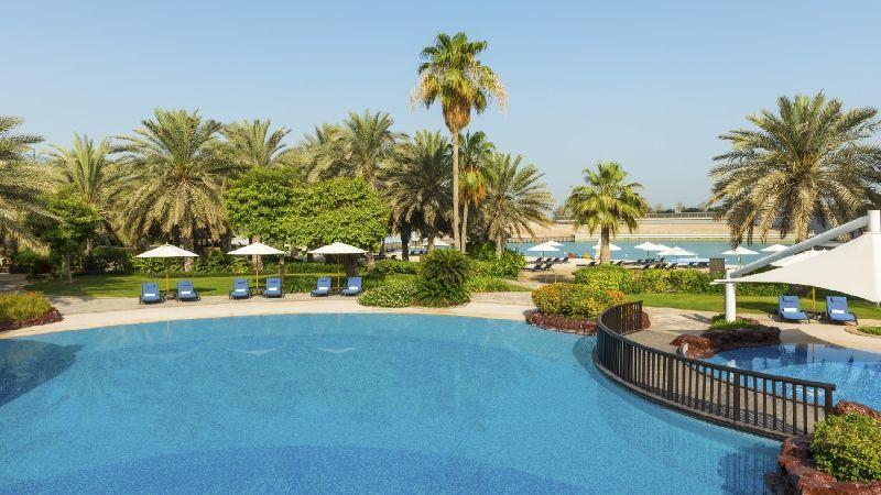 Sheraton Abu Dhabi Hotel & Resort 5 *