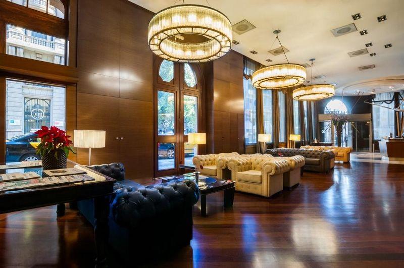hotel colonial barcelona barcelone espagne avec voyages. Black Bedroom Furniture Sets. Home Design Ideas