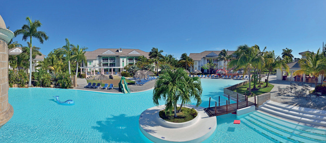 piscine charme cubain coralia melia peninsula