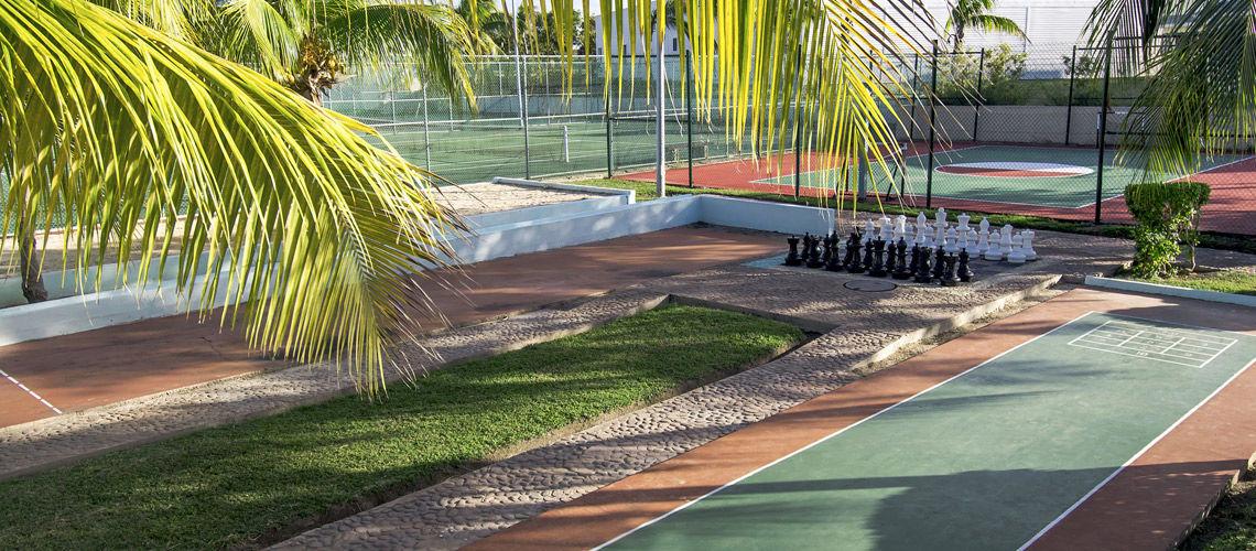petanque charme cubain coralia melia peninsula