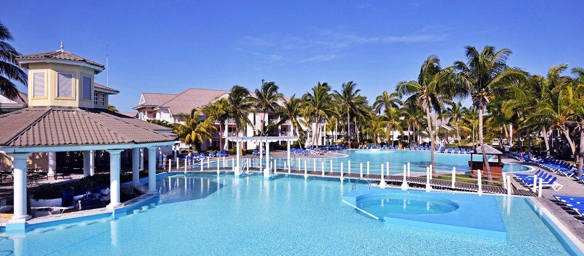piscine charme cubain coralia melia peninsula.