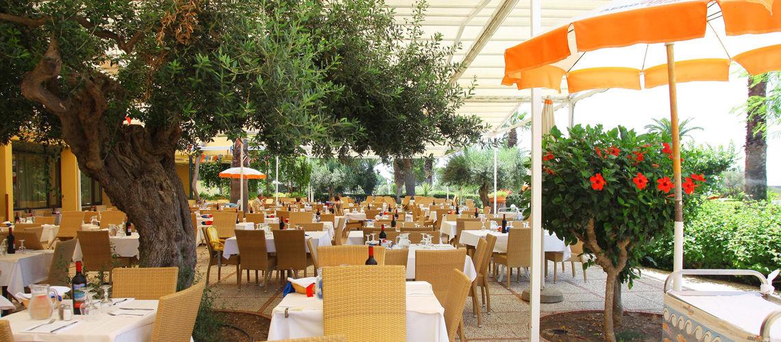Restaurant club coralia lipari