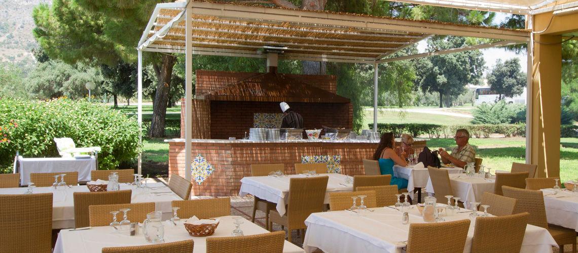20_Restaurant__club_coralia_lipari
