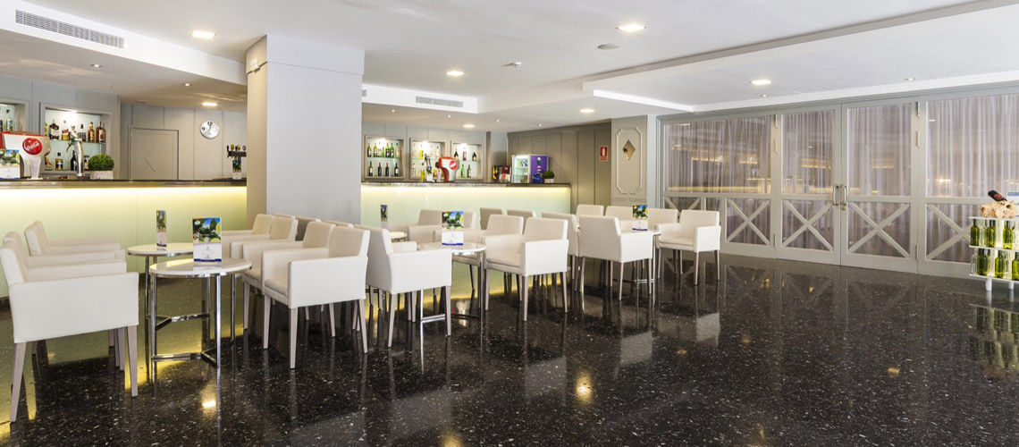 Bar club coralia palmanova