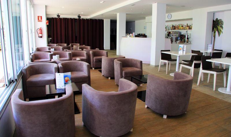 Salon Bar (800x476)