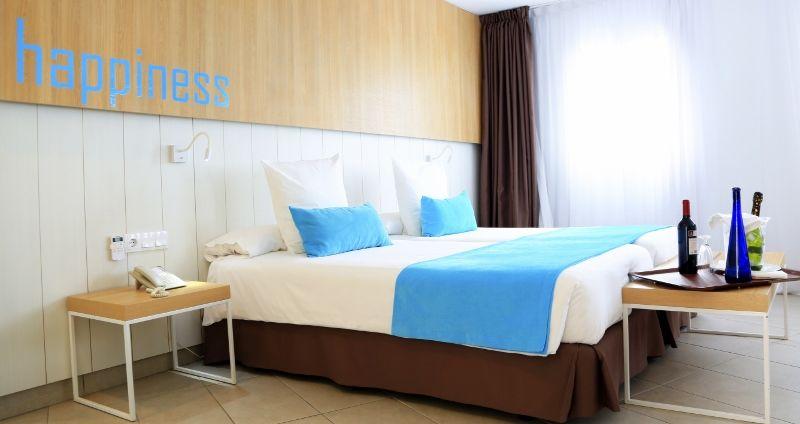 Room (1) (800x424)