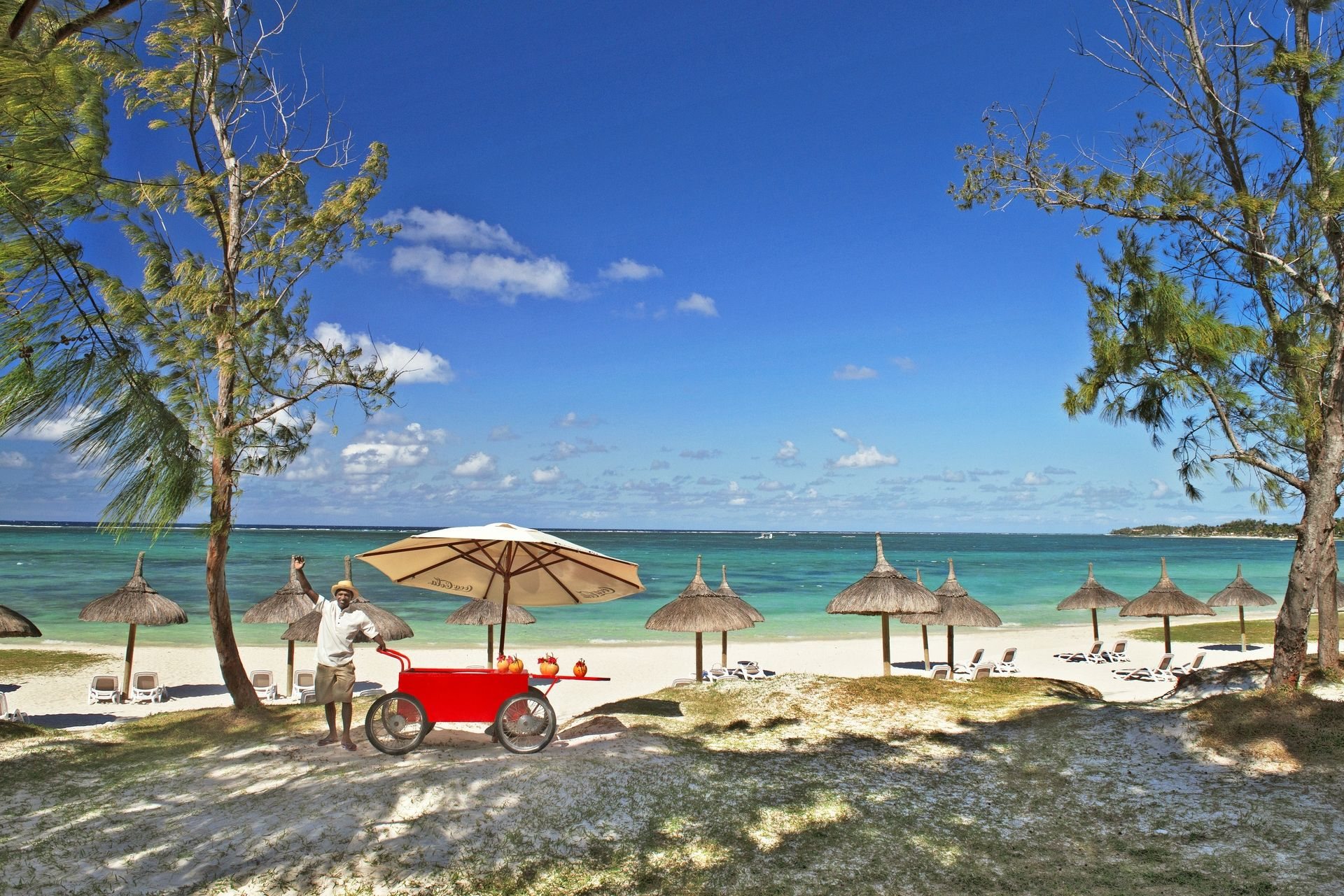 EBA_beach_service_with_Coco_2