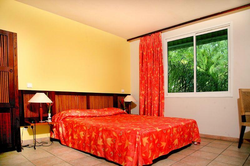 Guadeloupe - Karibea Beach Hôtel 3* avec location de voiture