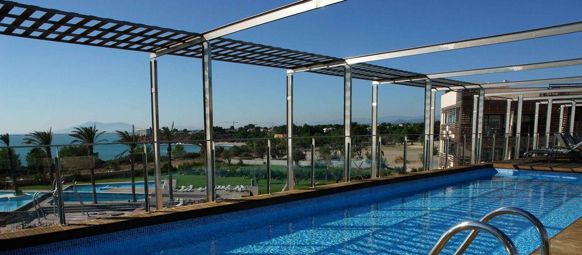S jour club en formule tout compris en espagne carrefour for Club piscine catalogue