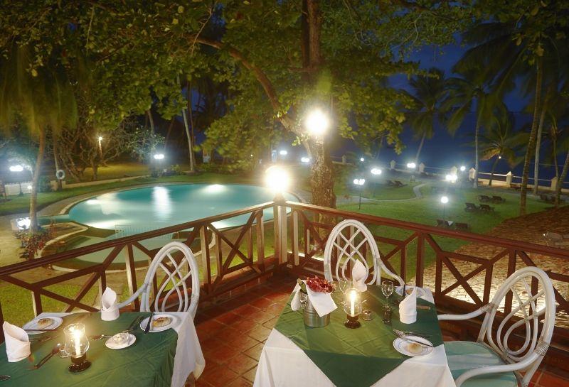 Beach terrace Restaurant (800x545)