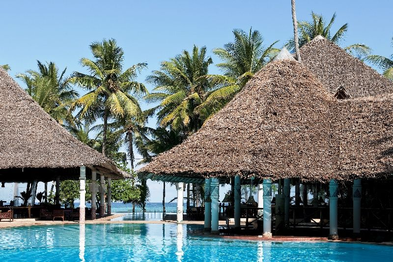 Village The Pool Bar (800x533)