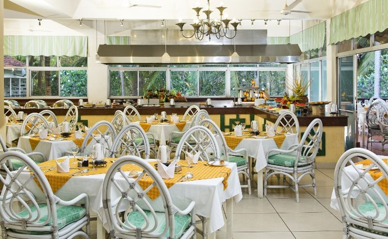 Beach restaurant bis (800x492)