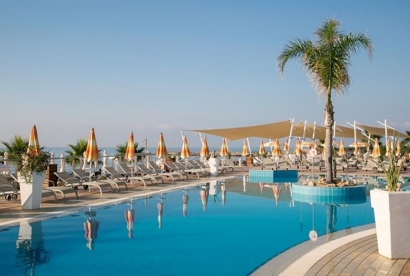 Asterias Beach 4 *