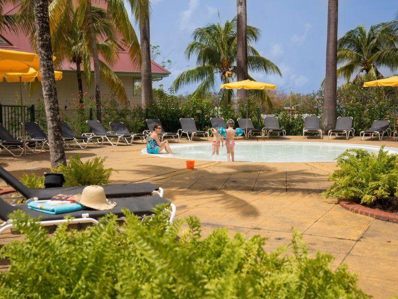 Residence pierre vacances le village sainte luce 3 for Residence vacances france avec piscine
