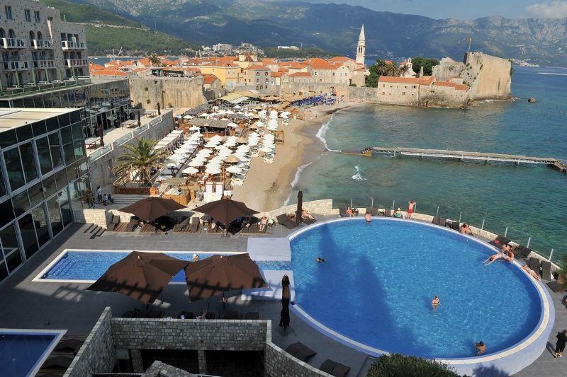 Avala Resort & Villas 4 *