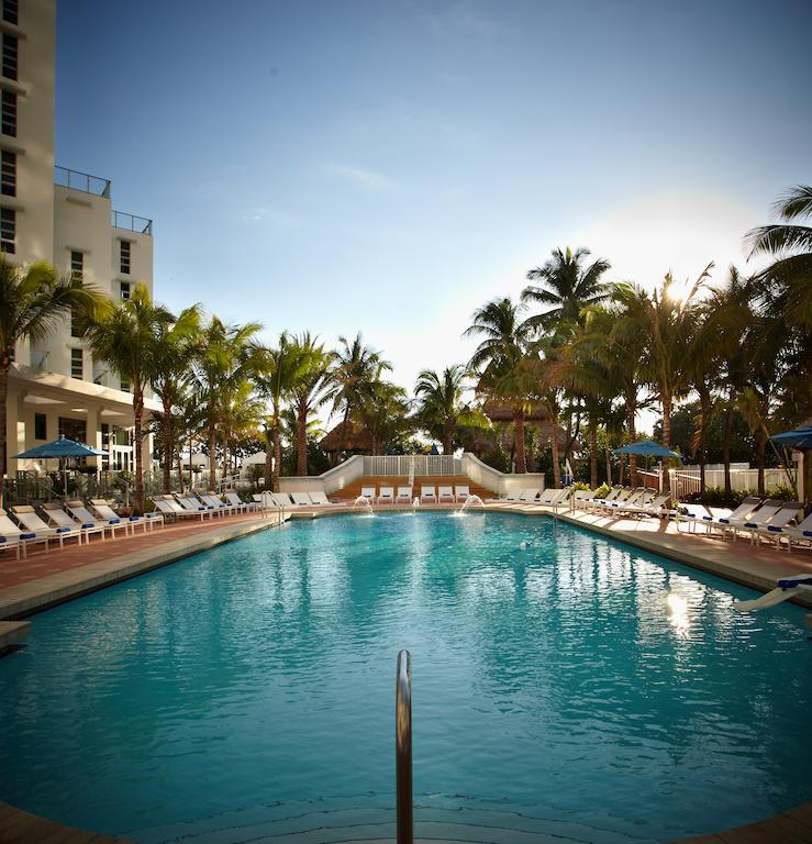 Hotel Courtyard By Marriott Cadillac Miami Beach 4*