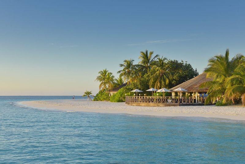 Angaga Island Resort & Spa 3*