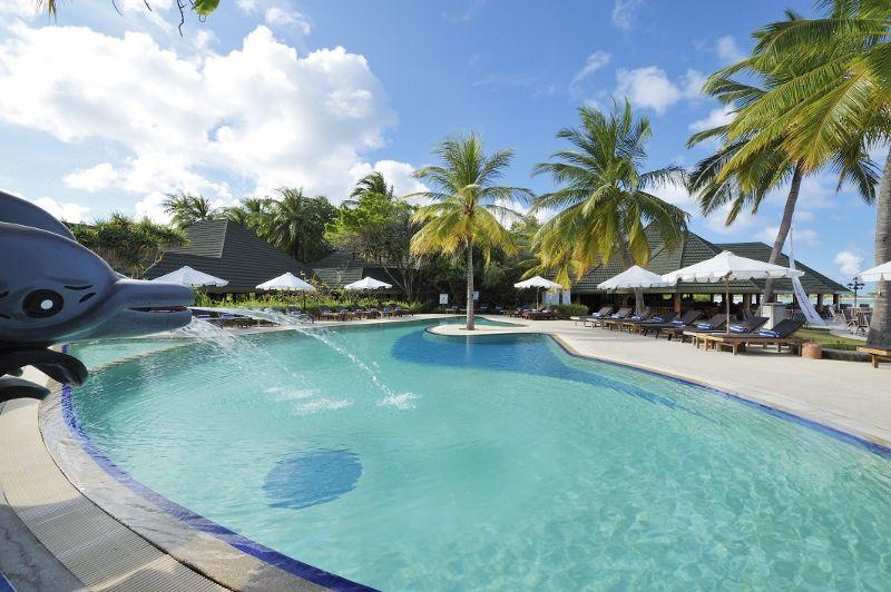 Paradise Island Swimming Pool 05