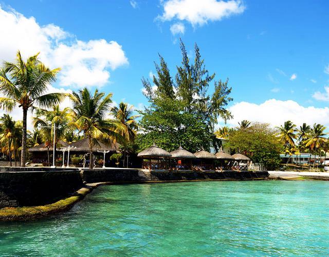 mont choisy coral azur beach resort 3. Black Bedroom Furniture Sets. Home Design Ideas