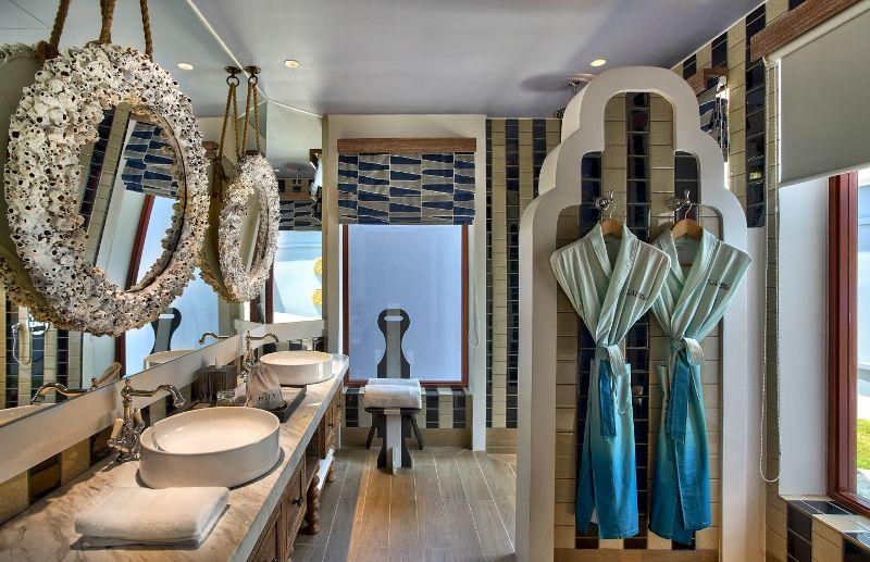 SAii Lagoon Maldives - 2br Beach Villa bathroom 1