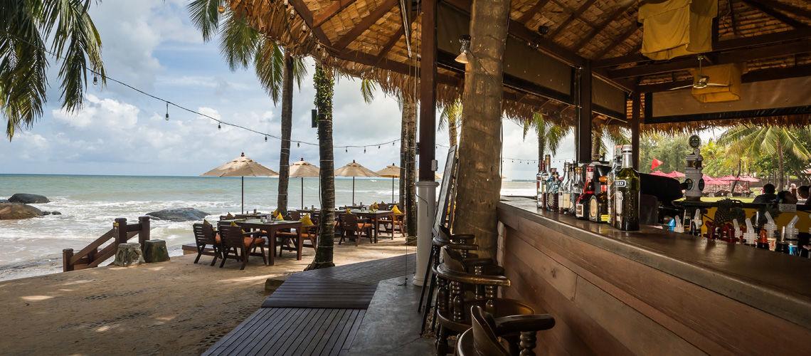 06_beach_bar