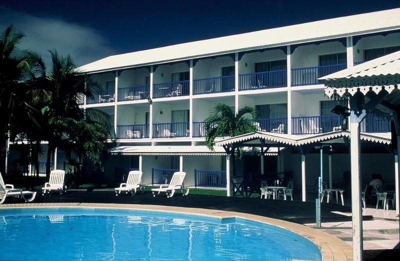 Bwa Chik Hôtel et Golf 3 * avec location de voiture
