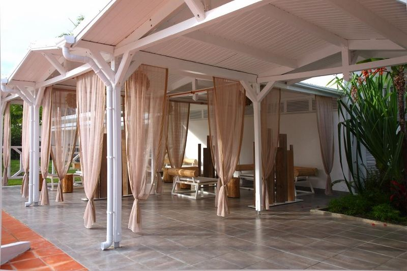 Hotel bwa chik hotel golf 3 guadeloupe avec voyages for Hotel design guadeloupe