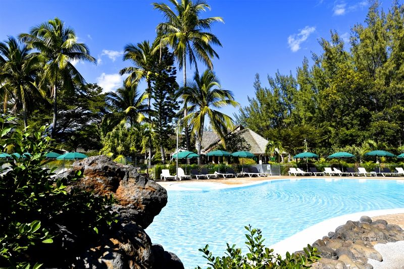 relaishermitage-hotel-piscine.jpg (800x533)