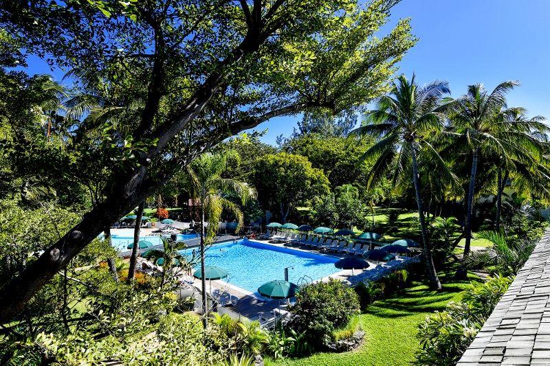 relaishermitage-piscine-vue-hotel.jpg (1) (800x533)