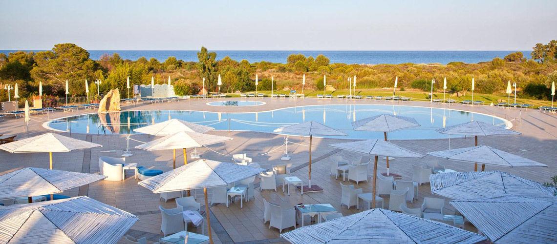 Hotel baia del porto 4 sardaigne italie sardaigne avec - Hotel porto portugal avec piscine ...
