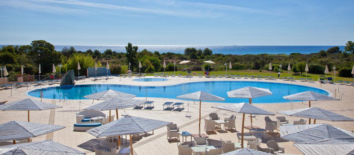 Kappa club baia del porto 4 ce evasion voyage groupe for Club piscine prix
