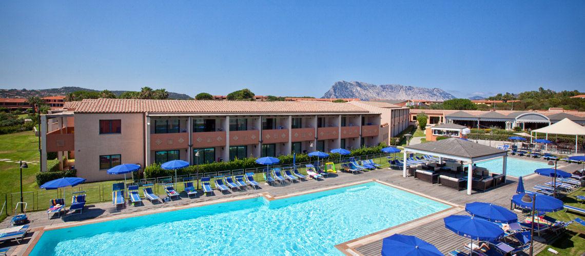 Club coralia baja bianca 4 ce evasion voyage groupe for Club piscine prix