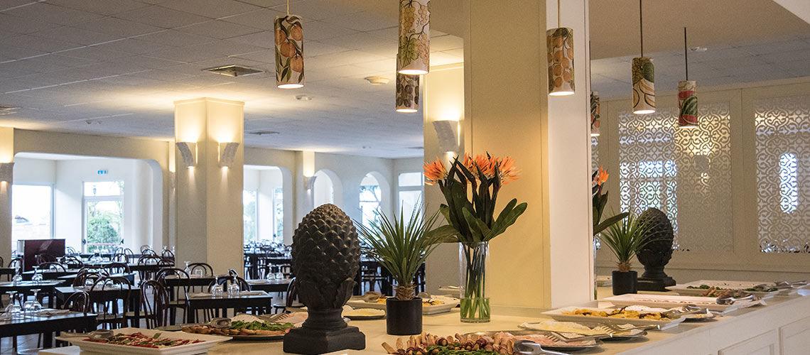 restaurant club coralia eloro