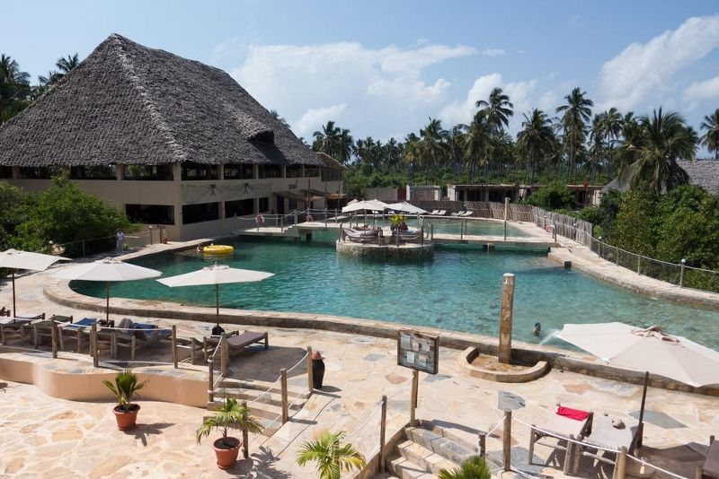 Reef & Beach Resort 4 *