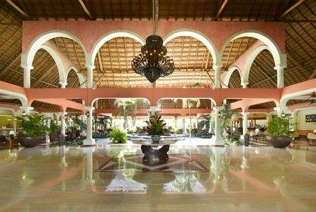 GP_Colonial_ Lobby_Colonial