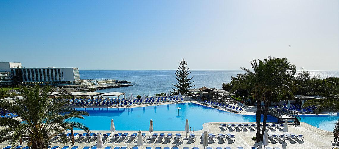 vue aerienne club coralia amilia mare beach resort