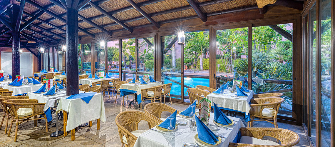 restaurant club coralia playacalida