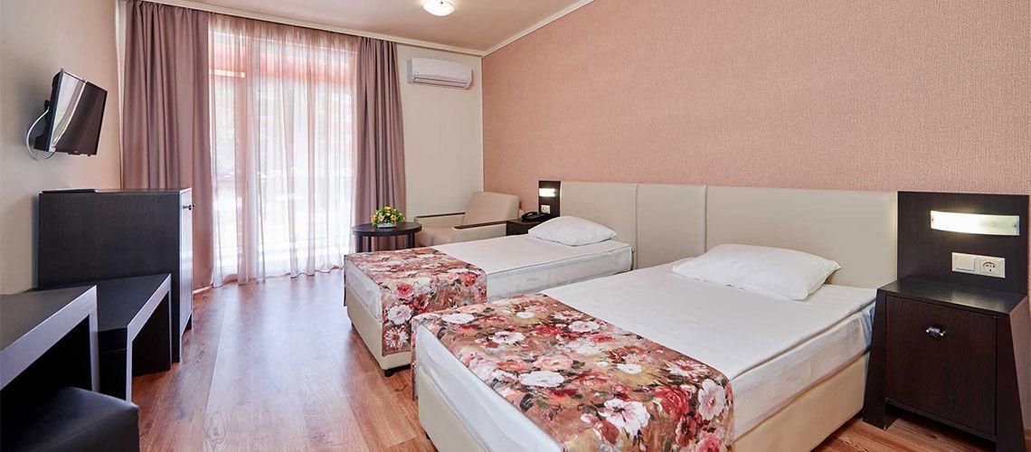 chambre club coralia zorinca residence